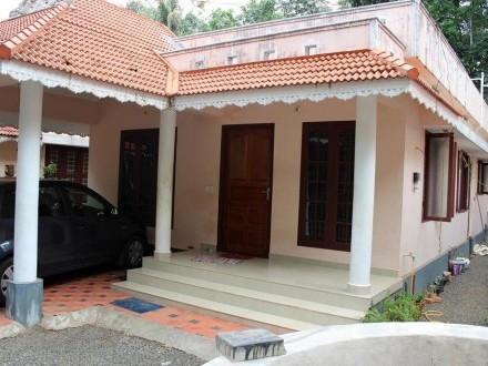 1000 Sq ft 3 BHK House on 4 5 Cent land for sale at Pukkattupadi