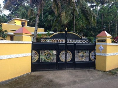 10 cent land with house in kayankulam