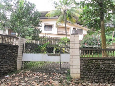 4 Plots (One Including House ) for Sale at prominent Place in Kottayam.