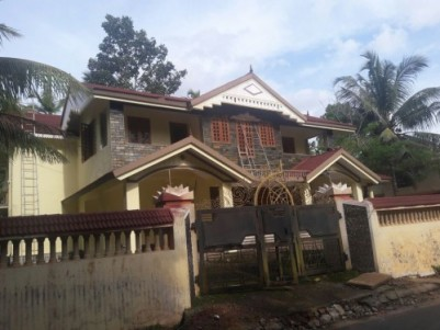 4750 Sq.ft 6 BHK Bungalow for sale at Pandalam,Pathanamthitta.