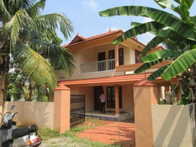 2000 Sq.ft 3 BHK House on 10 Cent land for sale at Chengannur,Alappuzha.
