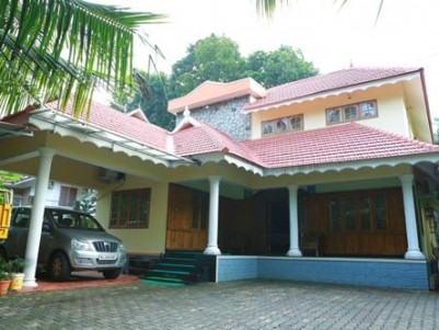 3200 Sqft 4 BHK Modern House on 11.5 Cents of Land for sale at Ponkunnam,Kottayam.