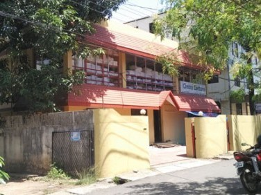 9 Cents of land with   3500 Sqft  old House for Sale at Palarivattom Jn ,Ernakulam