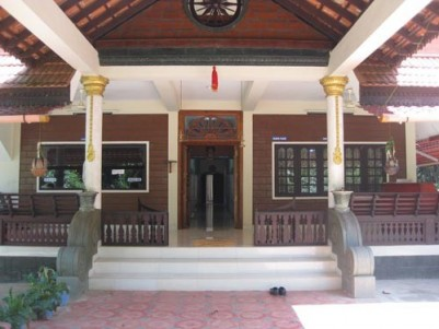 7000 SqFt Multipurpose Traditional Building in 41 cents for Sale at Attingal,Trivandrum