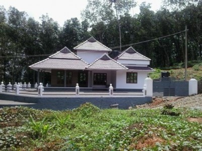 1750 Sq.ft. 3 BHK New Posh Villa On 12.25 Cents of Land For Sale at  Ponkunnam, Kottayam District.