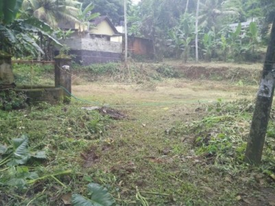 square plot@divan kavala kottayam,5 km from kottayam town,have road,well,near school ,temple church