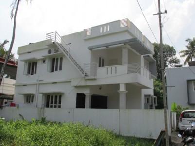 Posh villa for sale at Chalikkavattom,Vyttila,Ernakulam.