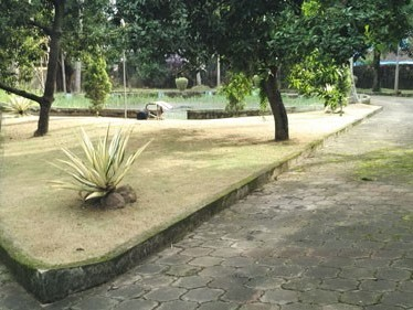 60 Cents of land with 4500 Sqft  4 BHK  House for Sale at Kadavanthra ,Ernakulam