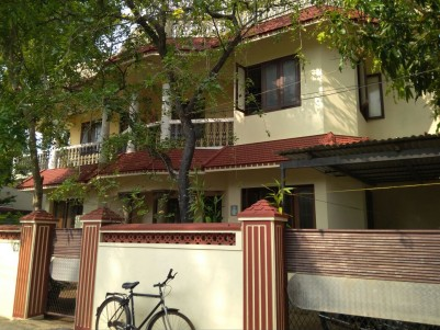 2400 Sq Ft 5 BHK house for sale at Konthuruthy, Thevara, Ernakulam