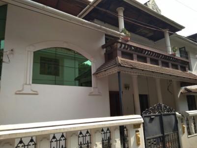 5 BHK house for sale at Konthuruthy, Thevara, Ernakulam