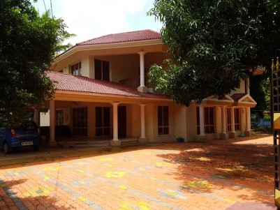 3100 Sq.Ft well maintained luxurious house for sale at Changanassery, Kottayam