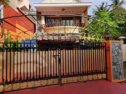 Posh House for Sale in Elamkulam, Near Vyttila, Ernakulam