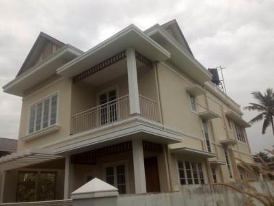 2450 Sq Ft 3 BHK House for sale at Vennala, Ernakulam