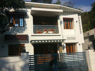 1600 Sq Ft 5 BHK on 4 Cent House for Sale at kottuvalli, Paravoor.
