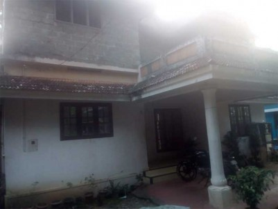 2000 Sq.ft 4 BHK House on 6 Cents of Land for Sale at Udayamperoor,Ernakulam.