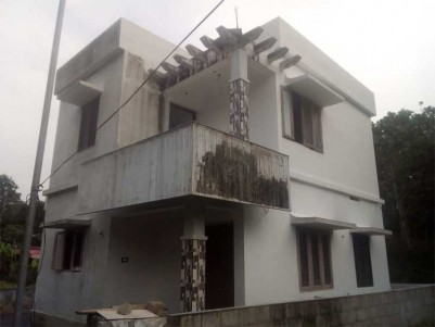1275 Sq.ft 3 BHK House on 4 Cents of Land for Sale at Mulanthuruthy.