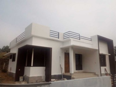 1000 Sq.ft 3BHK Independent House on 5 Cents of Land for Sale at Mulanthuruthy, Ernakulam.