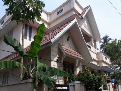 2100 Sq.ft 4 BHK Independent House for Sale at Perumbavoor, Ernakulam.