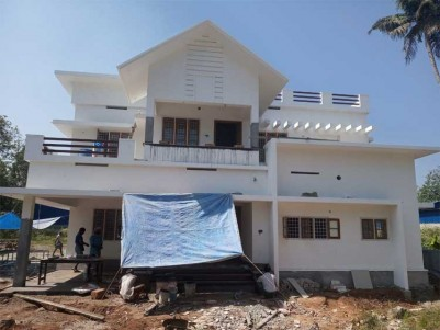 2300 Sq.ft 4 BHK Independent House on 5.5 Cents of Land for Sale at Perumbavoor, Ernakulam.