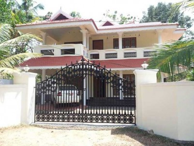 4 BHK Indpendent House for Sale at Piravom, Ernakulam.