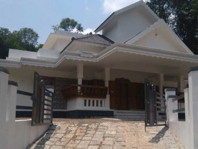 2650 Sq.Ft, 4 BHK House on 12 Cents of Land for Sale at Pala