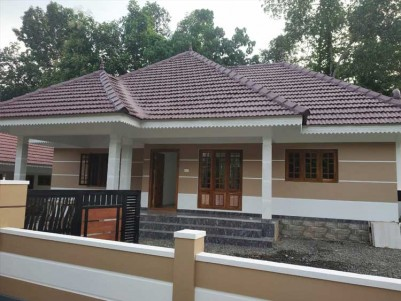 9 Cents of Land with 3 BHK, 1650 SqFt House for Sale at Poovarani, Kottayam
