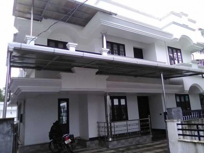 2200 SqFt, 4 BHK House on 4.5 Cents of Land for Sale at Kalathod, Thrissur