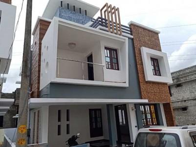 1800 SqFt, 3 BHK House on 3 Cent for Sale at Kakkanad, Ernakulam