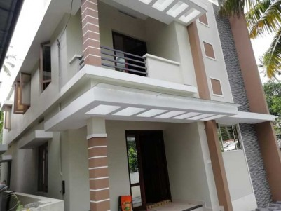 1500 SqFt, 3 BHK House on 4 Cent for Sale at Edappaly, Ernakulam