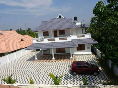 3000 SqFt, 4 BHK (A/c) House on 15 Cent for Sale at Pala, Thodupuzha Road