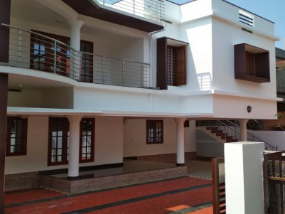 6 BHK, 3350 SqFt House in 8 Cents for sale at Palarivattom, Ernakulam