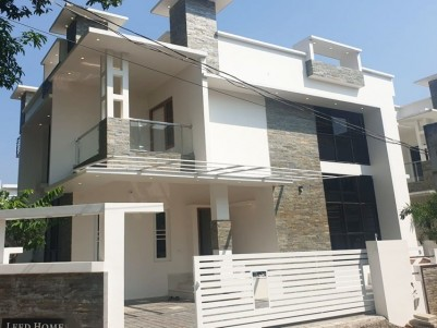 4 BHK, 2000 SqFt Villa in 4.10 Cents for sale at Edappally - Ernakulam