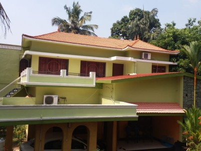 5BHK,4000SqFt House in 17.5 Cent for Sale at Thiruvalla,Pathanamthitta
