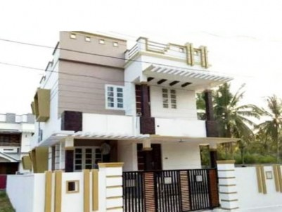 4 BHK, 2000 SqFt,  House on 4 Cents for sale at Maradu, Ernakulam