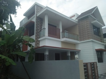 Beautifully  Constructed Independent House for sale at Kakkanad