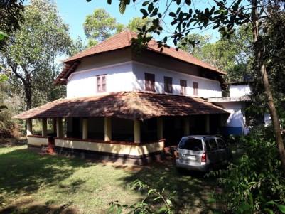Tharavad type antique house for Sale at Kalliad, Kannur.
