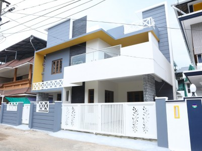 4 BHK House in 5 Cents for sale at Maradu Ernakulam