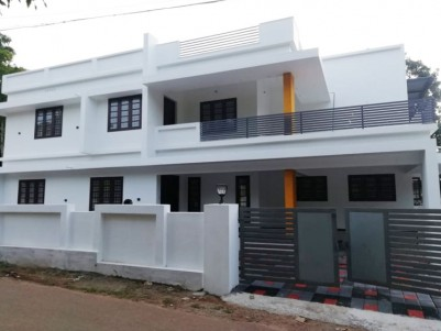 2200 sqft 4 BHK House in 6 Cent for sale at Perumbavoor Ernakulam