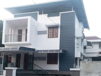 3BHK MAIN ROAD FACING PRIME PROPERTY FOR SALE AT THRISSUR