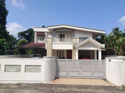 4 BHK 2250 SqFt Independent House in 33 Cent for Sale in Aluva, Kochi
