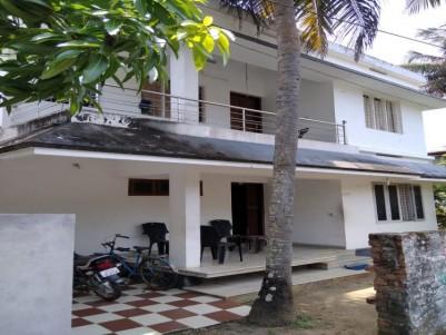4 BHK 1400 Sqft House in 5.14 Cents for sale at Ezhikkara, Ernakulam