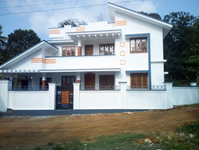 8 Cents with 2400 sqft 4 BHK House for sale at Ettumanoor, Kottayam