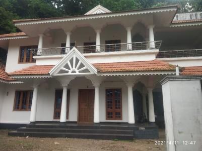 10 Cents with 2500 sqft 4 BHK House for sale Iyrattunada, Manarkadu, Kottayam