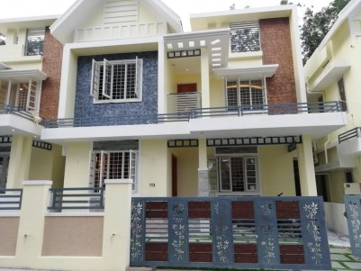 2050 sqft 4 BHK House in 4 Cents for sale at Mundampalam, Ernakulam
