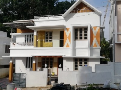 4 BHK 1800 sqft House in 4 Cents for sale at Pallikara Parakod Ernakulam