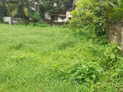 RESIDENTIAL/COMMERCIAL PROPERTY ( 25.8 CENTS LAND) FOR IMMEDIATE SALE CLOSE TO VYTTILA/EDAPPALLY NH