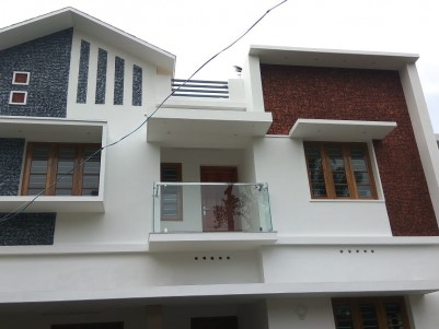 4 BHK 1800 sqft House in 4 Cents for sale at Varapuzha, Ernakulam