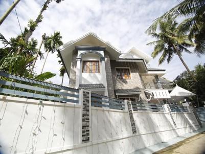 Beautiful 2750 sqft House for Sale Thiruvamkulam, Ernakulam