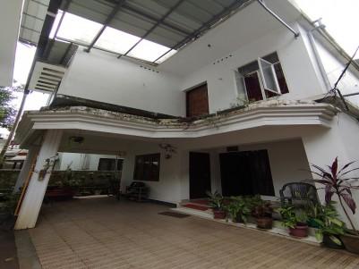 5 BHK  2200 SqFt House in  5 Cents for sale at Chembumukku, Kakkanad, Ernakulam