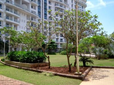 Duplex Flat Overlooking to Chilavannoor Backwaters for sale at Vytila, Kochi